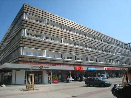 Erstklassige 2-Zimmer-Wohnung mit Balkon in bester Lage am Fennpfuhl !!!
