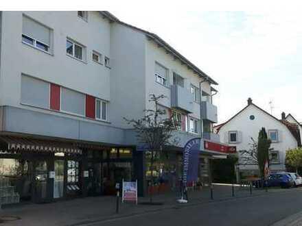 Zentrumsnahe Ladeneinheit/ Büro mit Schaufensterfront und öffentl. Parkplätzen