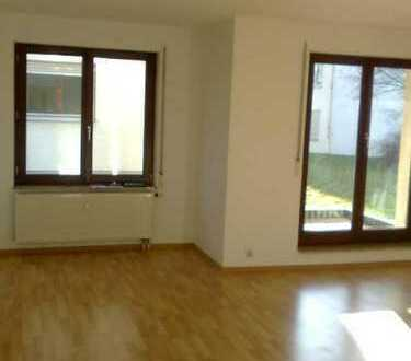 Sonnige 3-Raum-EG-Wohnung mit Balkon in ländlicher Umgebung