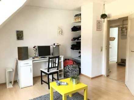RESERVIERT * Kleine 3-Zimmer Wohnung in guter Lage in Karlsruhe /Südweststadt