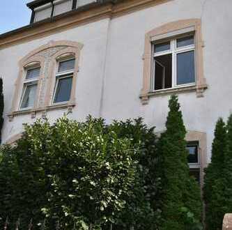 3-Zimmer-Wohnung mit Balkon, Garage und Garten zur alleinigen Nutzung