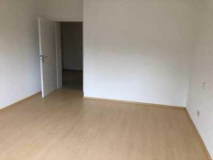 Schöne, vollständig renovierte 2-Zimmer-Hochparterre-Wohnung zur Miete in Moers