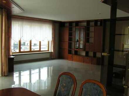 Schöne, geräumige fünf Zimmer Wohnung in Enzkreis, Kämpfelbach