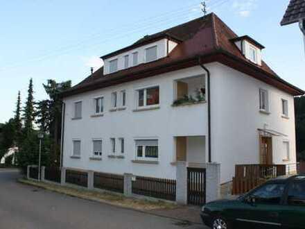 Großzügige 5-Zimmer EG-Wohnung in zentraler Lage in Ebhausen inkl Keller, Garten und optional Garage