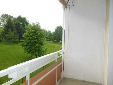 Südbalkon mit Blick ins Grüne - lichtdurchflutete Räume - Jetzt anrufen!!