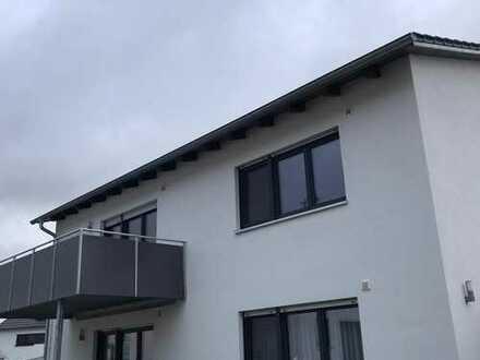 EG-Wohnung mit drei Zimmern und Terasse in Parsberg