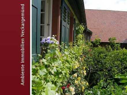 Historisches Fachwerkhaus mit traumhaft schönem Bauerngarten