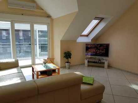 3 Zimmer Dachgeschosswohnung in kleiner Wohneinheit