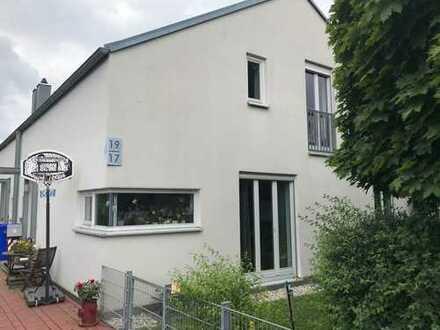 Helle Doppelhaus-Hälfte 4 ZKB in ruhiger Top-Lage in Schwabmünchen