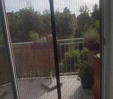 Neuwertige 4-Zimmer-Maisonette-Wohnung mit Balkon und Einbauküche in Mannheim