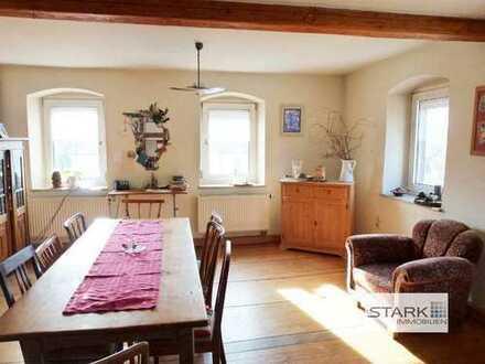 Besondere Gelegenheit: Großzügige Eigentumswohnung in einem kreativ umgebauten Bauernhaus!