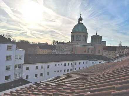 FREI - CITY - kleine / gepflegte Dachgeschoßwohnung - möbliert - Einbauküche -