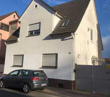 ***Freistehendes Einfamilienhaus mit Ausbaupotential in Hockenheim***
