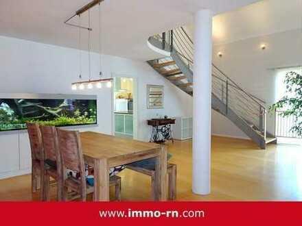 *** Einzigartige 6 ZKB Galerie-Maisonettewohnung mit Empore, großem Balkon & Doppelgarage ***