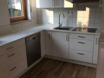 Vollständig renoviertes Einfamilienhaus mit fünf Zimmern und Einbauküche in Günzburg, Günzburg