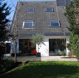 Einfamilien-Doppelhaushälfte in Wittlaer