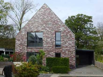 Architektenhaus mit tollem Garten und Ausbaupotenzial für Familien, provisionsfrei