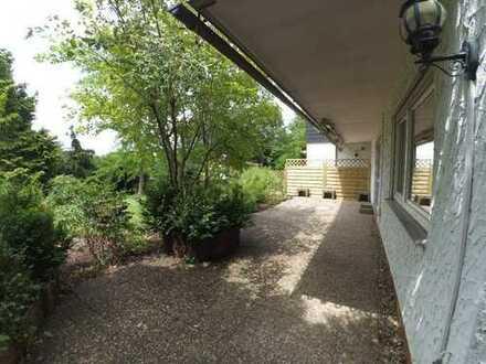 Ruhig gelegene 2-Zimmer-Wohnung mit Terrasse im Grünen
