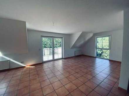Schöne fünf Zimmer Wohnung in Neuhausen auf den Fildern