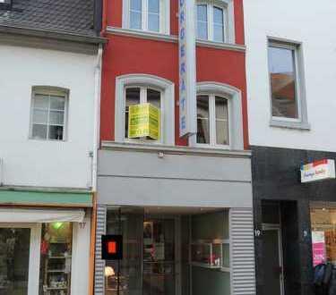 Wohnen und Arbeiten in einem Stadthaus in Krefeld-Uerdingen Fußgängerzone