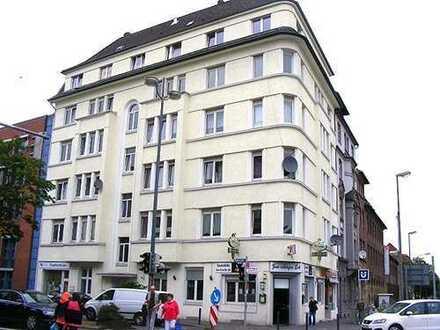 Schöne Wohnung im Hafenviertel! Auch WG geeignet!