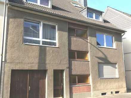 Preisänderung: Solides Mehrfamilienhaus in ruhiger Wohnlage Flittard inkl. 3 Garagen!