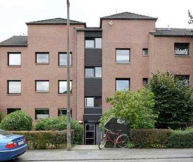 Solide ETW mit Balkon in zentraler Lage von Lövenich!