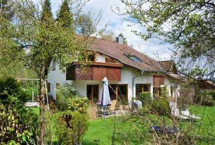 Exclusives Reiheneckhaus  mit Grundstück in  Donaueschingen-Aufen