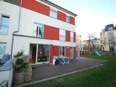 * sehr helle Doppelhaushälfte in Dresdens Barockviertel mit eigenem Garten und Kamin *