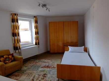 helles Zimmer in Landau-Godramstein