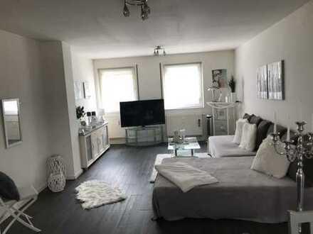 Gepflegte 3-Zimmer-Wohnung mit Balkon und EBK in Krefeld