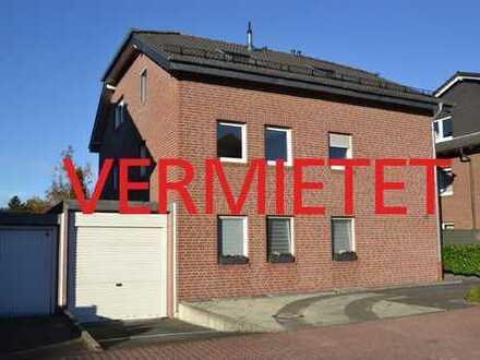 VERMIETET: Schicke, helle Wohnung im 1.Obergeschoss eines ansprechenden 3 Familienhauses in gu