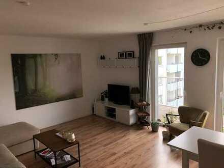 2-Zimmer-Wohnung mit großem Balkon (nur mit WBS, gerne auch an Studenten)