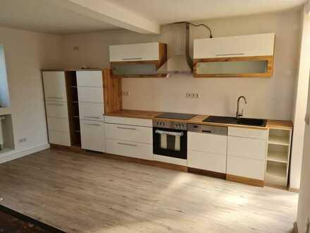 850 € - 145 m² - 5.0 Zi.