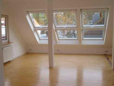 Sonnige Maisonette-Wohnung mit Waldblick