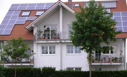 Gepflegte 3-Zimmer-DG-Wohnung mit Balkon in Türkheim