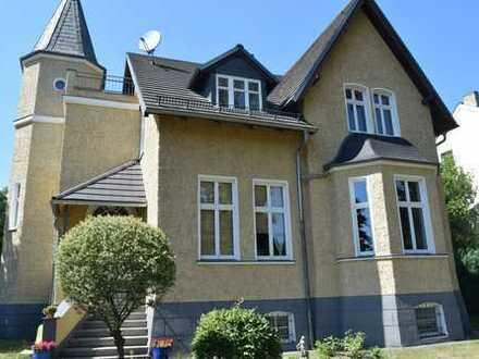 Vollständig renovierte 4,5-Zimmer-Maisonette-Wohnung mit Balkon und Einbauküche in Hoppegarten