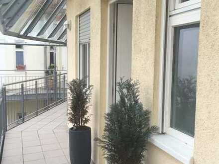 Charmante Luxus Wohnung über 3 Etagen mit Blick auf den Neckar - nur 10 km bis nach Heidelberg