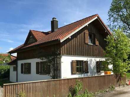 Sonniges und gemütliches Einfamilienhaus mit traumhaftem Ausblick in die Alpen