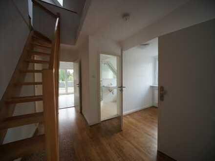 3 Zimmer Maisonette Wohnung mit großer Dachterrasse in Duvenstedt