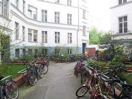 3 -Zimmerwohnung(Teilgewerblich), keine WG,Pärchen ja;Reichenbergerstr.9,Vorderh.2.links
