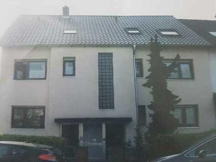 Schöne, geräumige drei Zimmer Wohnung in Mannheim, Sandhofen