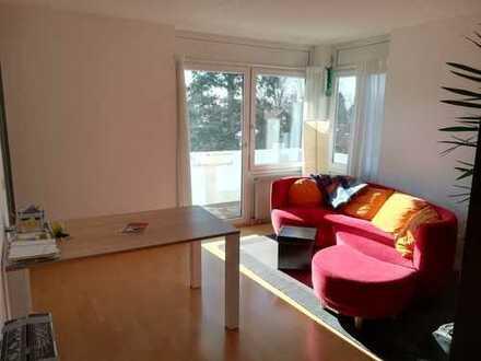 Wunderschöne, helle, zentrumsnahe Wohnung mit Süd-West-Balkon