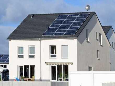 Warum Miete zahlen? Werden Sie Eigentümer! Gemütliche Doppelhaushälfte inklusive Grundstück!