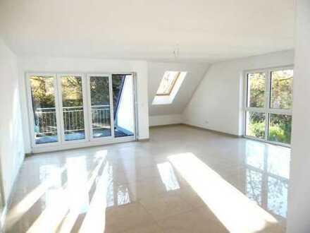 München-Fasanerie - Dachgeschoss- 4-Zimmerwohnung mit Dachterrasse, Bad m.Fenster