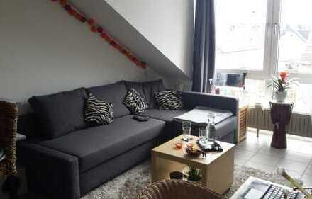 Stilvolle, modernisierte 2-Zimmer-Wohnung mit EBK in Bonn