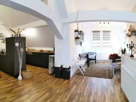 Sanierte Wohnung mit vier Zimmern und Balkon in Winterborn