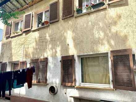 MFH mit 4 Einzimmerwohnungen in zentraler Lage mit viel Potenzial