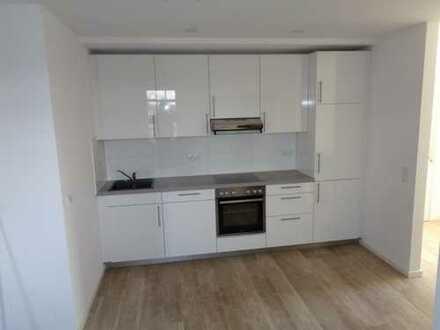Neubau mit Einbauküche: schöne 2-Zimmer-DG-Wohnung in Neuenhagen bei Berlin