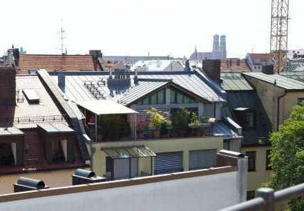 Dachterrassenwohnung mit Blick über die Dächer, Maxvorstadt nähe Stiglmayerplatz